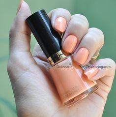 Primavera-Verão = Privileged, um esmalte lindo da Revlon Enamel Candy Colors. Um laranja pastel lindo lindo! Comprei no site da Época Cosméticos Perfumaria.