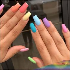The advantage of the gel is that it allows you to enjoy your French manicure for a long time. There are four different ways to make a French manicure on gel nails. The choice depends on the experience of the nail stylist… Continue Reading → Matte Pink Nails, Aycrlic Nails, Yellow Nails, Pastel Nails, Coffin Nails, Purple Nails, Colorful Nails, Colorful Nail Designs, Nail Designs Spring