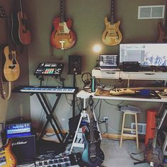 MASCHINE, KOMPLETE, & a lot of acoustics. Show us your #NativeSpace. : @hybridindie
