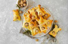 Topfenteig-Osterhasen Pineapple, Dairy, Fruit, Food, Kids Hands, Bunny, Oven, Pine Apple, Essen