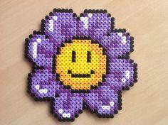 Blomst                                                                                                                                                                                 Mehr Perler Bead Templates, Diy Perler Beads, Perler Bead Art, Pearler Beads, Fuse Beads, Pearler Bead Patterns, Perler Patterns, Plastic Canvas Crafts, Plastic Canvas Patterns