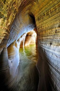 Caverna Mineiros Castelo  - Pictured Rocks National Lakeshore, Munising, Michigan