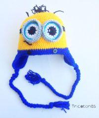 572889111db2f Gorro minion crochet Un gorro con orejeras y cara de minion en lana ...