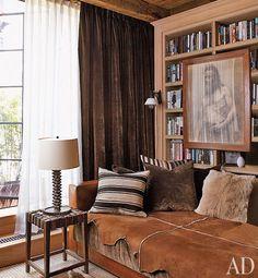 Alfredo Paredes and Brad Goldfarb's New York City Apartment : Interiors + Inspiration : Architectural Digest Architectural Digest, Daybed In Living Room, Manhattan, New York City Apartment, Home Interior, Interiores Design, Decorating Your Home, Decorating Ideas, Living Spaces