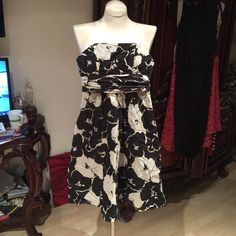 The limited brand The limited brand black and white flowers paterns The Limited Dresses Midi