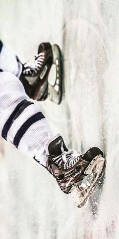 Hockey♥ this is such agreat photo!