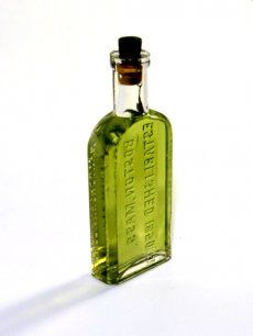 Nitrous Green Dragon The Chemistry of Nitrous-Powered, Pot-Infused Liquor How one New York bartender fused alcohol and marijuana forever