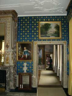 paleis het Loo, Apeldoorn, The Netherlands. Antechamber of Koning (King) Willem I, with empire style furniture. Through the door we have a view of Queen Mary II's bedroom from 1686.