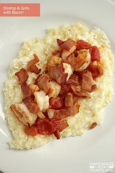 Shrimp and Grits with Bacon Recipe.  An delicious impressive dinner! Great for guests or a fancy night in.