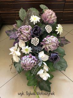 Kompozycja nagrobna 2018 wyk. Sylwia Wołoszynek Funeral Flowers, Ikebana, Blue Flowers, Twine, Floral Design, Centerpieces, Floral Wreath, Wreaths, Garden