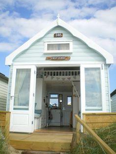 Beach huts you can hire and sleep in at beautiful Hengistbury Head, Dorset Coastal Gardens, Coastal Homes, Coastal Living, Coastal Decor, Beach Hut Decor, Pool Shed, Pub Sheds, Uk Beaches, Hawaii Homes