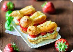 Erdbeer-Eclairs mit Basilikumsahne