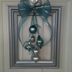 Diy Christmas Decorations Easy, Christmas Card Crafts, Christmas Centerpieces, Diy Christmas Ornaments, Christmas Projects, Christmas Wreaths, Christmas Picture Frames, Cool Christmas Trees, Christmas Wood