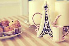 eiffel tower shaped teapot. adorable