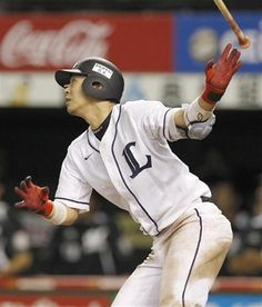 Hideto Asamura goes yard for a solo shot, his 4th of the year, to right-center off Yoshihisa Naruse to pad Lions' lead to 5-3 in the bottom of the 7th inning at Seibu Dome on Friday, August 31, 2012.