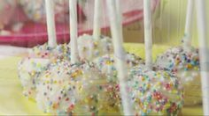 Cravings Baby Shower Watch Baby Shower Desserts: Cake Balls in the Parents Video Food Crafts, Baby Crafts, Fancy Baby Shower, Best Cake Recipes, Favorite Recipes, Baby Shower Desserts, Rainbow Sprinkles, Cake Videos, Baby First Birthday
