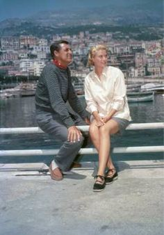 """""""Grace was for me more than a friend, she was like my little sister. I loved her and she loved me."""" - Cary Grant on Grace Kelly Grace Kelly Mode, Grace Kelly Quotes, Grace Kelly Wedding, Grace Kelly Style, Princess Grace Kelly, Old Hollywood, Hollywood Stars, Classic Hollywood, Cary Grant"""