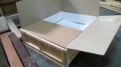 YBS Cargo, PT: Stainless steel legs table