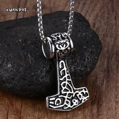รีบเป็นเจ้าของ  Men Choker Necklaces Gothic Thor Hammer Stainless Steel MensPendants Colar Vikings Punk Jewelry 24 Inch Popcorn Chain - intl  ราคาเพียง  590 บาท  เท่านั้น คุณสมบัติ มีดังนี้ 【Materia】stainless steel/Titanium 【Color】As Picture showed 【Level】High Level 【Gift】For Boys and mens 【Anti-tarnish Not allergic, Never fade,Always be new】 【100% Brand New】