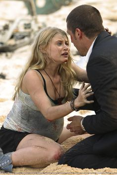 """""""Pilot (Part – Publicity still. Jack helped everyone he encountered right after the crash. When he first met Claire, no one, not even Jack and Claire, suspected that they were half-siblings. (Did the writers even know? Charlie Pace, Terry O Quinn, Lost Tv Show, Writing Photos, Matthew Fox, Lost Quotes, Emilie De Ravin, Evangeline Lilly, Sci Fi Series"""