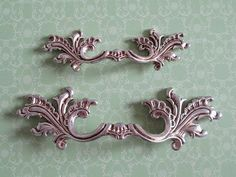 Shabby Chic Dresser Pull Drawer Pulls Door Handles Antique Silver French Country Vintage Furniture Cabinet Knobs Pull Handle #VintageFurniture #countryfurniture #antiquefurniture