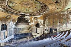Les plus beaux lieux abandonnés dans le monde : After the Final Curtain, photos de Matt Lambros, Jonglez Publishing.