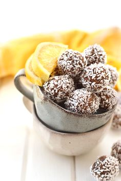 Lemon Coconut Chia Energy Bites