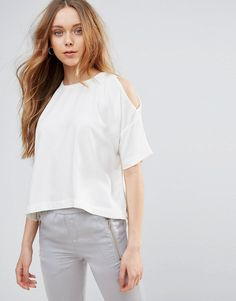 Buy it now. Glamorous Cold Shoulder Top - White. Top by Glamorous, Woven fabric, Crew neck, Cold-shoulder design, Split sides, Relaxed fit, Machine wash, 100% Polyester, Our model wears a UK S/EU S/US XS and is 173cm/5'8 tall. ABOUT GLAMOROUS An eclectic mix of vintage influences and contemporary partywear are at the heart of Manchester based label Glamorous, where individual style is the key. The carefully sourced fabrics and prints channel a fun and youthful vibe into their fashion forward…