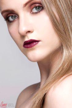 Great smokey makeup with juicy purple lips! #makeup #smokeyeye #lips