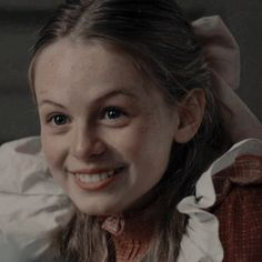 anne with an e icons Series Movies, Tv Series, Sherlock, Gilbert And Anne, Anne White, Gilbert Blythe, Anne With An E, Beautiful Series, Anne Shirley