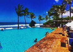 Not a bad place to play and work  #bali #beachlife #digitalnomad #laptoplifestyle  #wanderlust #viptravel #bluesky #bluewater #invigoratedliving