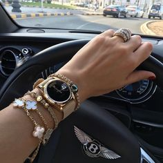 Women Watches Best women's Watches High Heels and shoes women Watches Ladyfashes best store for women Watches 2019 Stylish Watches, Luxury Watches, Rolex Watches, Watches For Men, Cute Jewelry, Jewelry Accessories, Fashion Accessories, Fashion Jewelry, Girls Jewelry