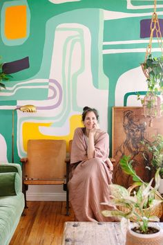 Maximalist on a Minimal Budget Fills Her Home with Murals Post-baby Mila radiates in front of her prized textile-inspired wall mural.Post-baby Mila radiates in front of her prized textile-inspired wall mural. Room Wall Painting, Mural Wall Art, Mural Painting, Interior Wall Paintings, Interior Rugs, Interior Design, Interior Decorating, Pintura Hippie, Bedroom Murals