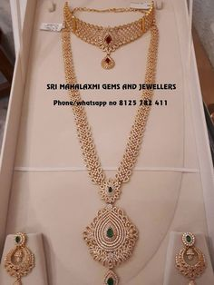 Gold Jewelry With Price Jewelry Design Earrings, Gold Earrings Designs, Gold Jewellery Design, Necklace Designs, Dubai Gold Jewelry, Pendant Jewelry, Jewelry Necklaces, Indian Wedding Jewelry, Wedding Jewelry Sets
