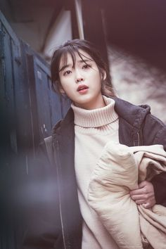 tvN My Mister Matiere haircut knit - - IU fashion Korean Actresses, Korean Actors, Actors & Actresses, Korean Star, Korean Girl, K Drama, Drama Film, Iu Fashion, Bae Suzy