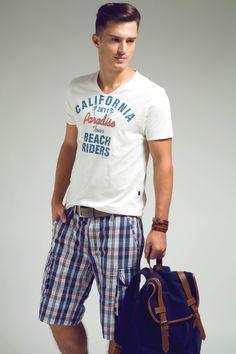 T-shirt com bordado Paradise Califórnia e referência ao college e bermuda xadrez colorida para uma proposta total relax!