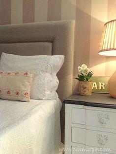 Cabecero cama tapizado con amplio remate - vilmupa Bedroom Decor, Bedroom Headboard, Ivory Bedroom, Mattress Bedroom, Bedroom Deco, Home Decor, Next Bedroom, Living Room Modern, Room