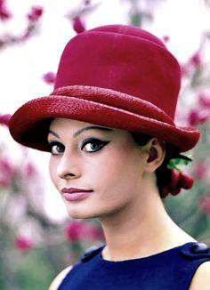 Sophia Loren photographed by Mario de Biasi, 1964.