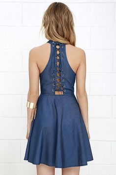Your ensembles are always winning, but with the Tie Breaker Blue Chambray Lace-Up Dress first place is guaranteed! Cute Blue Dresses, Simple Dresses, Casual Dresses, Fashion Dresses, African Dresses For Kids, Dresses For Teens, Ankara Gown Styles, Denim Overall Dress, Chambray Dress