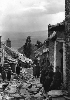 Frederic Francois Boisson was the first foreign photographer in Greece. He spent three decades taking photos of Greece's villages and landscapes. Greece Photography, History Of Photography, Vintage Photography, Old Pictures, Old Photos, Vintage Photos, Greece History, Old Greek, Frederic