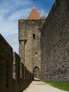 Tour Carrée de l'Evêque - Cité de Carcassonne  - mai 2012