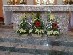Odpust 2017 - lilie, amarylis, chryzantemy, goździki, eustoma - dekoracja ołtarza głównego