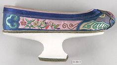 Woman's Shoe  Period: Qing dynasty (1644–1911) Date: 19th–20th century Culture: China