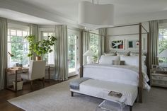 A New England–Style Home That Breaks with Tradition