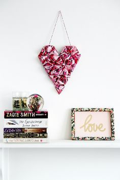 Make your own diy origami heart wall hanging for valentines day # crafts 3d Origami Heart, Origami Love, How To Make Origami, Useful Origami, Origami Easy, Origami Hearts, Origami Paper, Dollar Origami, Oragami