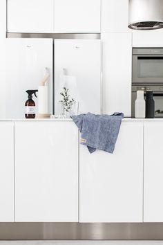 white kitchen – lisbet e.