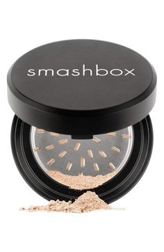 Smashbox Halo Perfecting Powder #WhatIsBakingSodaUsedForInCleaning Bad Makeup, Fancy Makeup, Powder Foundation, Liquid Foundation, Best Makeup Products, Pure Products, Contouring Products, Beauty Products, Smashbox Cosmetics