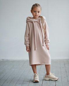Image may contain: 1 person, shoes Kids Outfits Girls, Little Girl Dresses, Girl Outfits, Little Girl Fashion, Toddler Fashion, Kids Fashion, Moda Kids, Stylish Kids, Sweatshirt Dress