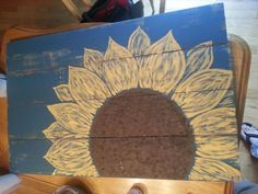 pallet signs, diy, home decor, painted furniture, pallet, repurposing upcycling, woodworking projects, Sunflower pallet