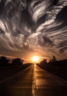 Fascinating sunset... - The Meta Picture Country Roads